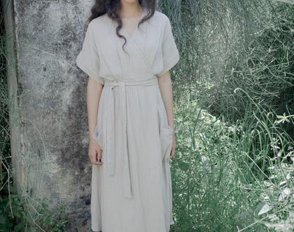 שמלת מעטפת   שמלה בהירה