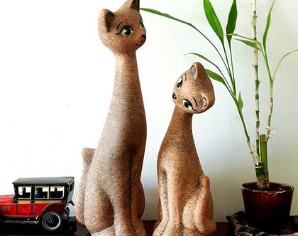 """סט 2 פסלי קרמיקה, חתולה וחתלתול - בעבודת יד בצבע חול . מק""""ט 1103"""