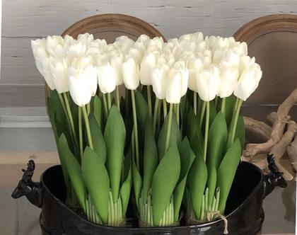 זר 12 טוליפים לבנים מקסימים, פרחים מלאכותיים שנראים הכי הכי אמיתיים!