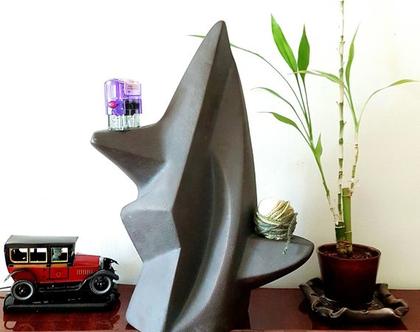 """פסל מודרני . """"מאזניים"""" . צבע שחור מט. מק""""ט 1135"""
