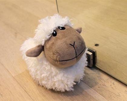 מעצור לדלת כבשה.