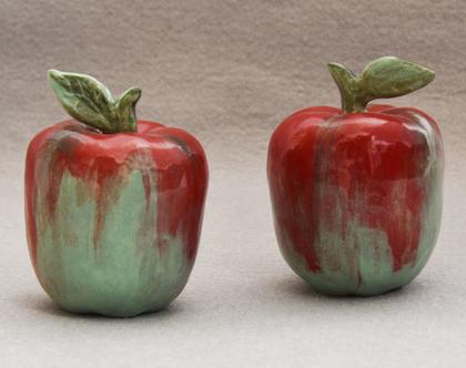 תפוחים מקרמיקה