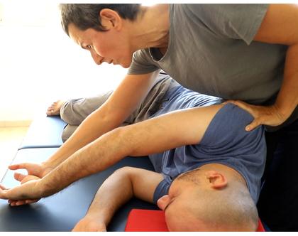 טיפול בשיטת אילן לב , טיפול במגע