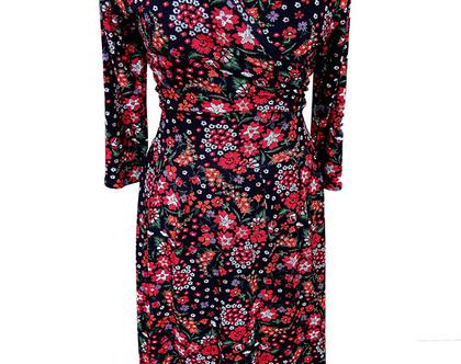 שמלת פרחונית מתרחבת