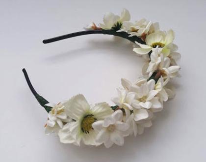 קשת פרחים לבנה