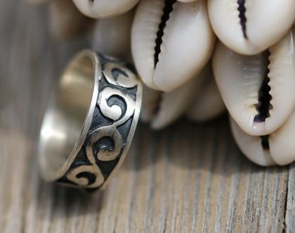 טבעת כסף לגבר, טבעת כסף מתנה לאישה, טבעת יוניסקס, טבעת מתנה' טבעת גלים מכסף מושחר,