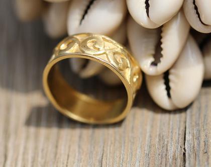 טבעת גלים מזהב, טבעת זהב לגבר, טבעת זהב מתנה לאישה, טבעת יוניסקס, טבעת מתנה.