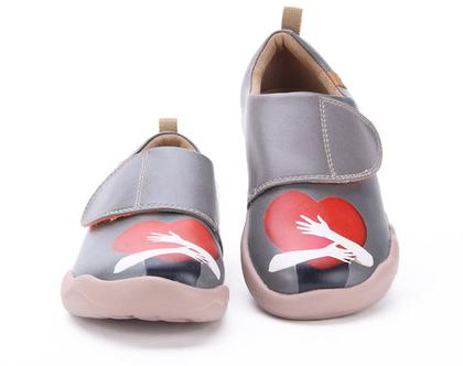 נעלי בד לילדים גם לבנים טבעוניות אופנתיות מודפסות ומיוחדות נוחות לגן ולשנת הלימודים