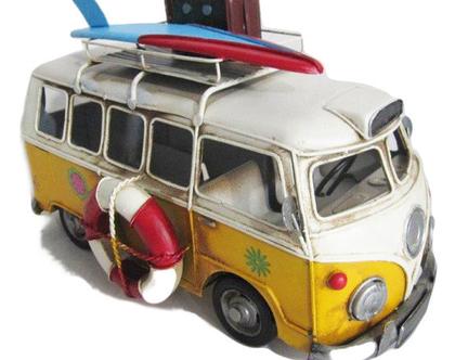 מכונית ואן VAN רטרו צהובה