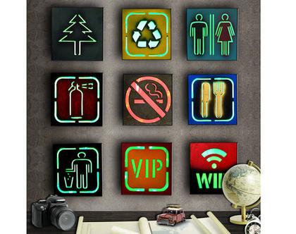 שלט עץ דקורטיבי עם אפשרות תאורה | מבחר דגמים לבחירה