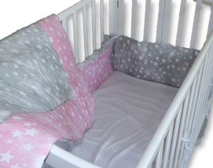 """סט מיטה לתינוק 3 חלקים דגם """"סטונווש ורוד"""" מגן ראש, שמיכה וסדין. ניתן לקבל גם כסט עריסה, מיוצר בישראל מבית הני דויטש"""