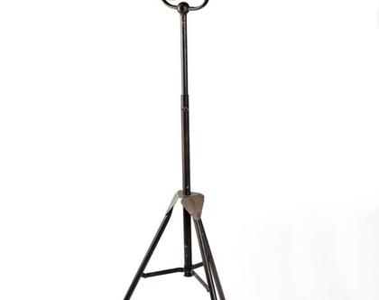 AM421 מנורה עומדת פעמון ברזל