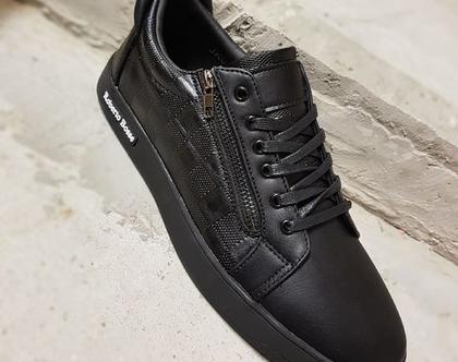 נעלי סניקרס לגבר בצבע שחור עם שרוכים ROBERTO BOSSE