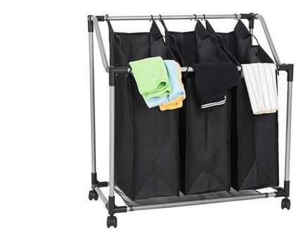 סל כביסה מחולק ל-3 תאים על גלגלים