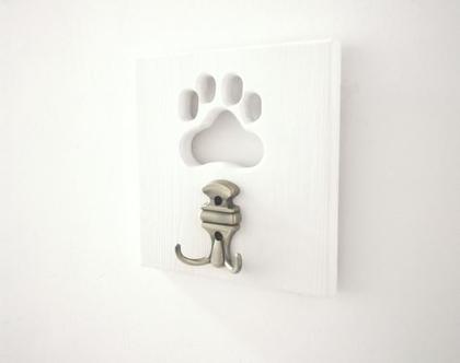 מתלה למפתחות ולרצועת כלב