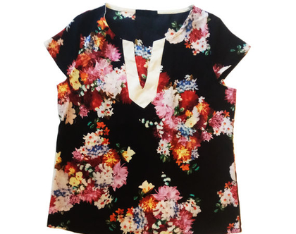 חולצת פרחים דלית