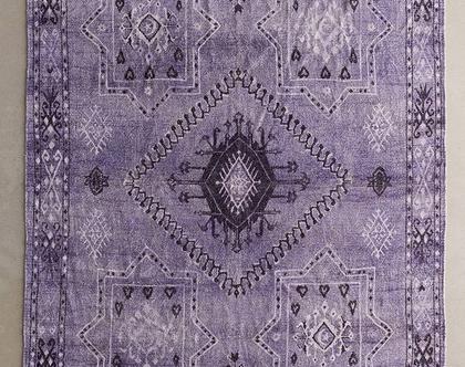 שטיח כחול-סגול בסגנון מרוקאי