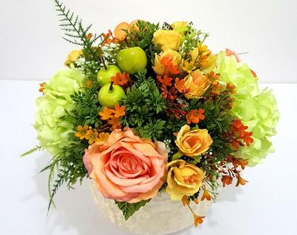 סידור פרחים מלאכותיים כתום