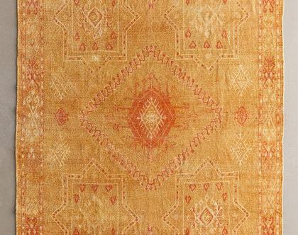 שטיח כתום זהב בעיצוב מרוקאי, שטיח בוהו
