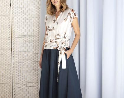 חצאית מידי חורפית בצבע נייבי עם מותן גומי