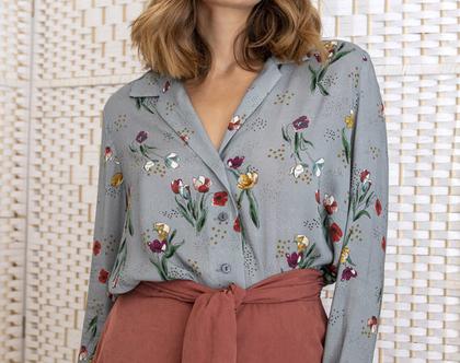 חולצה מכופתרת אפורה עם הדפס פרחוני