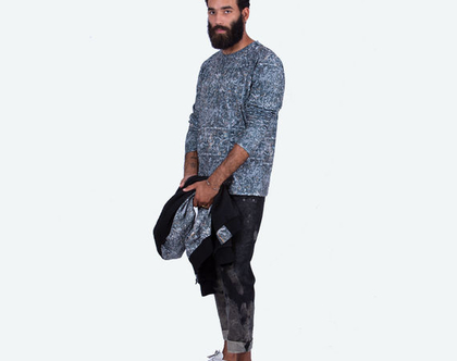 חולצה לגבר מבד ג׳רסי רך ונעים למגע 100%כותנה בהדפס דיגיטלי ייחודי, שרוול ארוך