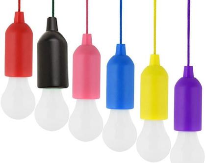מנורת לד רטרו צבעונית עם כבל משיכה