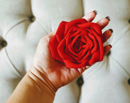 סיכה לאישה/ B009/ סיכה לבגד/ סיכה פרח גדול/ כבנה לאישה