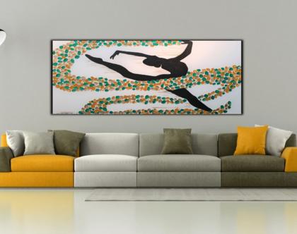 """""""ריקוד סוחף"""" - ציור של רקדנית בריקוד עם צבעים חיים וטקסטורות מובלטות.(1)"""
