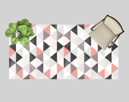 שטיח פי.וי.סי בעיצוב מינימליסטי | שטיח פי.וי.סי משולשים שחור ורוד | שטיח פיויסי משולשים בהיר | עיצוב נורדי
