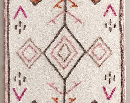 שטיח שאגי מרוקאי בגוון טבעי עם גוונים ורודים