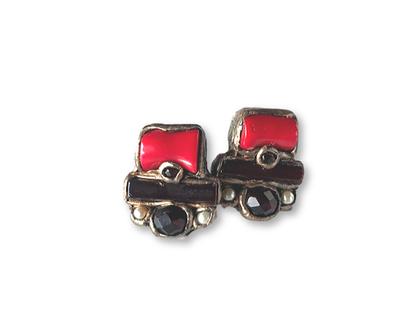 עגילים אדומים, עגילי קורל, עגילים עם אבני חן, עגילים מעוצבים עם נוכחות, עגילי קליפס צמודים, תכשיטים אדומים