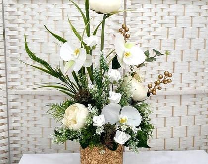 סידור פרחים מלאכותיים לבנים סחלב ואדמונית