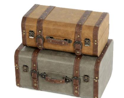 מזוודה חומה בסגנון סיקסטיז לאחסון ולנוי, דמויי עור - פריט ייחודי לעיצוב