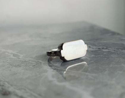 טבעת חותם מלבן  טבעת כסף 925  טבעת כסף סטרלינג  טבעת חלולה  טבעת חריטה  טבעת סטייטמנט