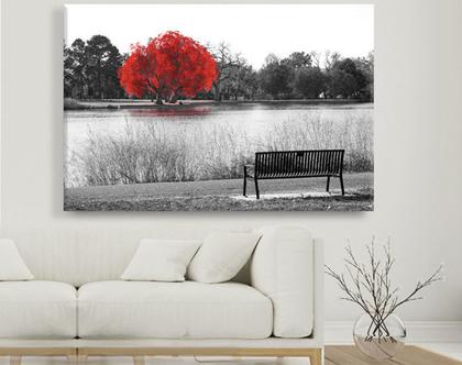 תמונת קנבס - Red tree by the lake -1  תמונה מעוצבת לסלון   תמונה מעוצבת למשרד   תמונה של עץ צהוב על שפת האגם