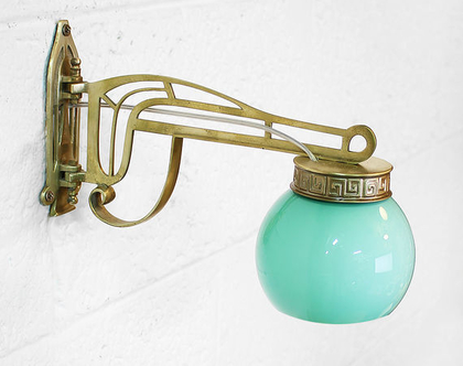 זוג מנורות קיר ארט דקו ירוקות, מנורות פליז, מנורות לילה מוזהבות