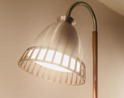 מנורת עמוד גמישה