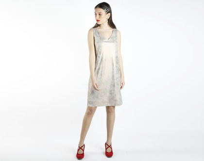שמלת מיני מוזהבת קלות