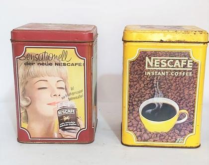 שתי קופסאות פח ישנות מאד של ח'ב נס קפה במצב מדהים גובה 15 ס'מ....