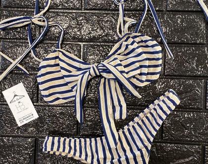 בגד ים סטרפלס עם קשירה בחזה וקשירות בכתפיים