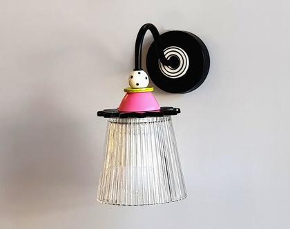 מנורת זכוכית - צמודת קיר - מנורה בשחור לבן ורוד וירוק - מפיצה אור רב - תאורה מעל מראה - מנורת קריאה - גוף תאורה צמוד קיר