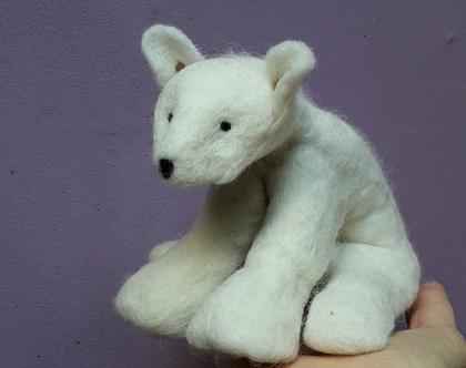 דוב קוטב, חיה בליבוד רטוב, דוב עבודת יד, צעצוע אקולוגי, דוב לקישוט, צמר טבעי, דוב עבודת יד
