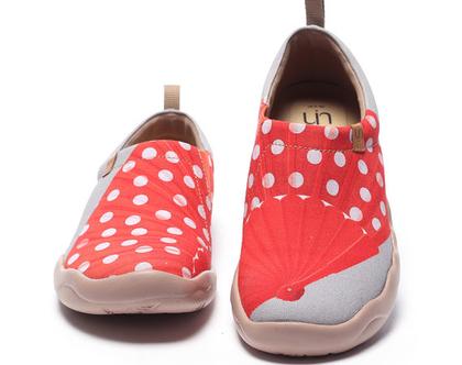 נעלי בד אופנתיים נוחים מודפסים מיוחדים אומנותיים אדומים ומושלמים לנשים