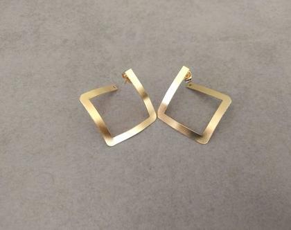 עגילים צמודים מעויין | עגילי זהב צמודים | עגילי זהב מיוחדים | עגילים צמודים גיאומטריים | עגילי חישוק מעויין צמודים | עגילים צמודים מעויינים