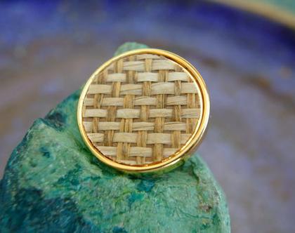 """6 כפתורים וינטג', כפתורים בצבע זהב עם קש , גודל 25 מ""""מ, כפתורי פלסטיק"""