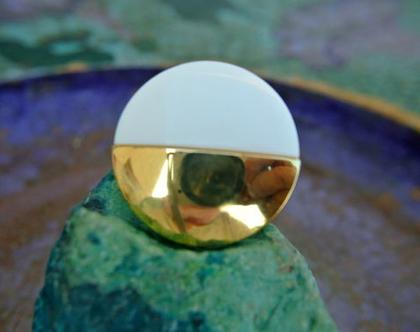 """6 כפתורי פלסטיק וינטג', כפתורים לבנים עם זהב, כפתור מעוצב בגודל 31 מ""""מ"""
