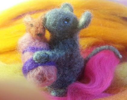 עכברה וגור בליבוד מחט - עכברה עבודת יד - אמא ותינוק - עכבר לאוסף - חיות מלבד