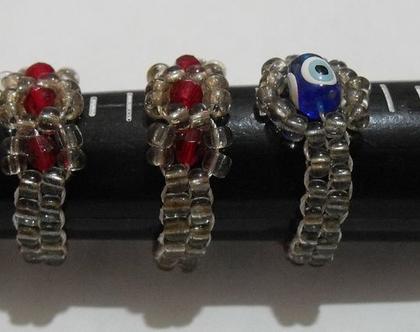 טבעת עבודת יד חרוזים בצבעים אדום וכחול עין הרע תכשיט מתנה יפה ומעוצב
