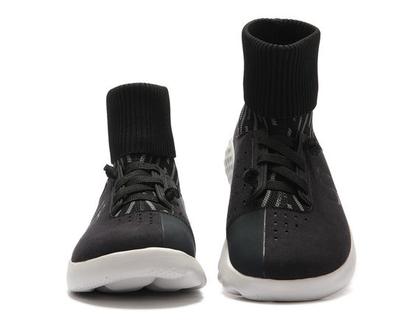 נעלי בד אופנתיים אומנותיים ומודפסים דגם שחור סניקרס חצי מגף עם גרב לגברים